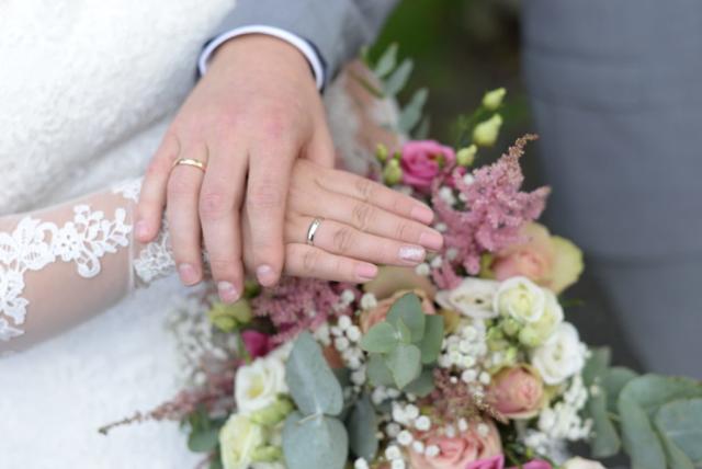 gifteringer, hender, et par nygifte