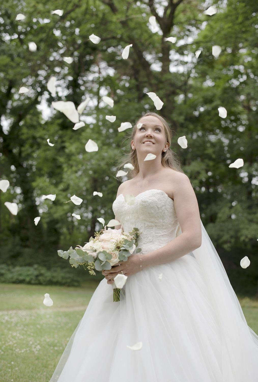 brudens portrett med blomsterflak